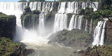 Parco Nazionale Iguazù luogo dalla bellezza indescrivibile e avvolgente.