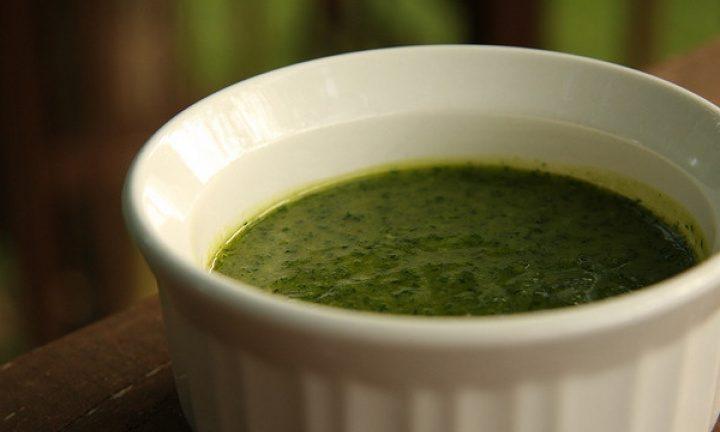 Il meglio della cucina argentina: salsa chimichurri, la ricetta originale.