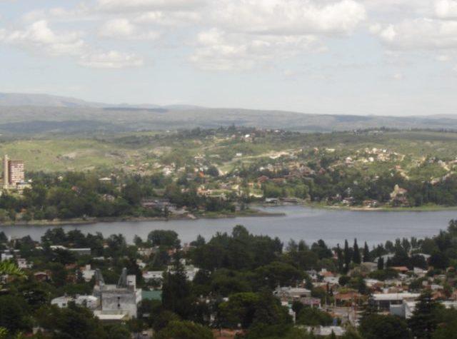 La regione centrale si caratterizza per le vaste pianure fertili e grandi agglomerati urbani.