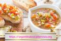 La salsa criolla è una tra le salse più conosciute e utilizzate in Argentina.